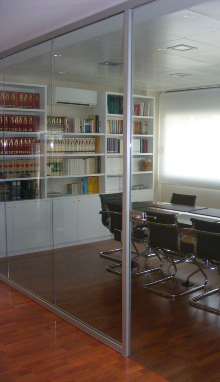 Divisiones de oficina cristal mamparas divisorias for Mamparas oficina