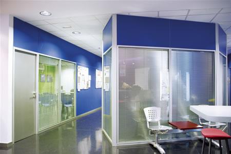 Divisiones para oficina divisiones empresa divisiones for Mamparas para oficina